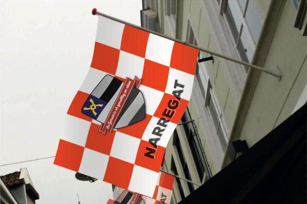 Vlag Narregat aan gevel
